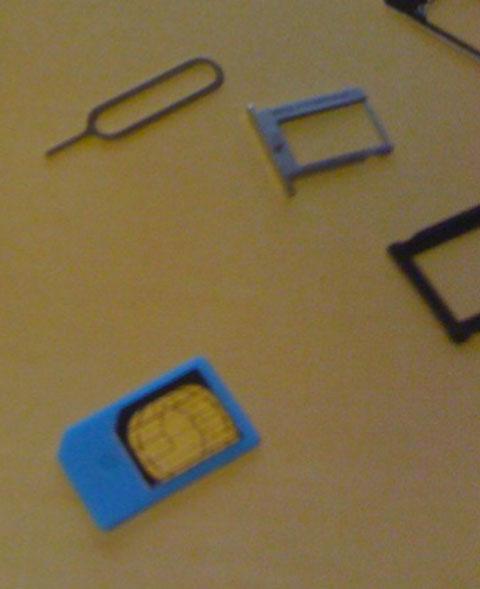 MicroSIM en un adaptador de SIMs