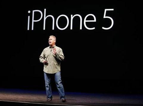 Phil Schiller durante la presentación del iPhone 5