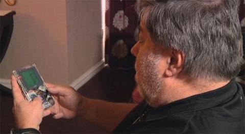 Wozniak jugando a la Gameboy