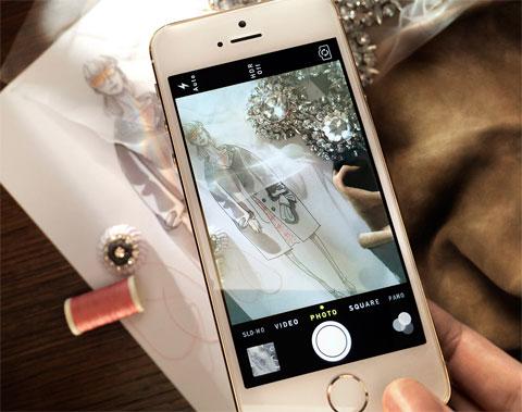 iPhone 5S y Burberry