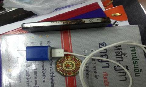 iPhone quemado en Tailandia
