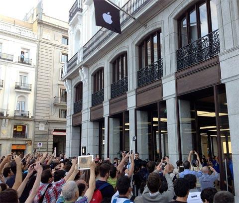 Apertura de la Apple Store de la Puerta del Sol