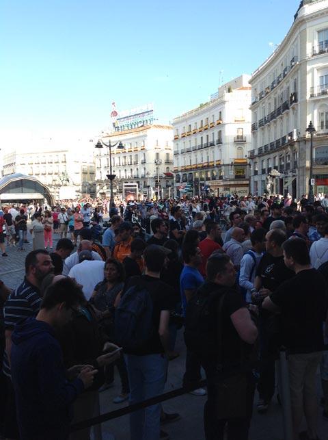 Gentío en la Puerta del Sol