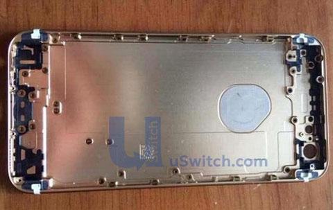 Supuesta carcasa de iPhone 6 con el logo de plástico