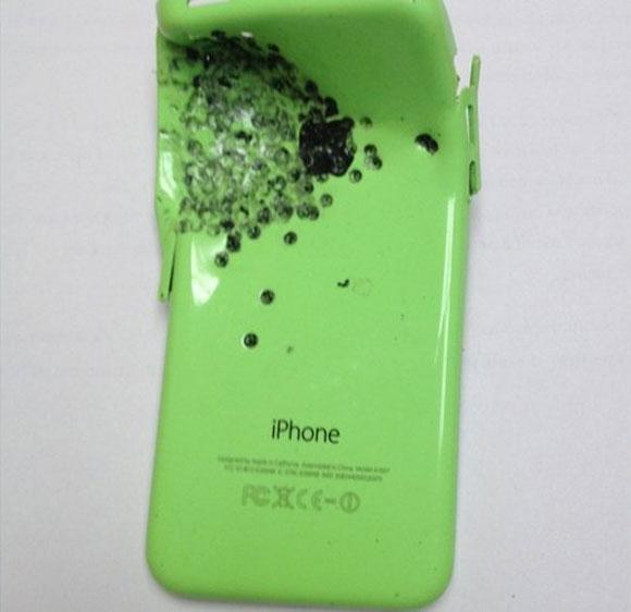 iPhone que recibió el proyectil