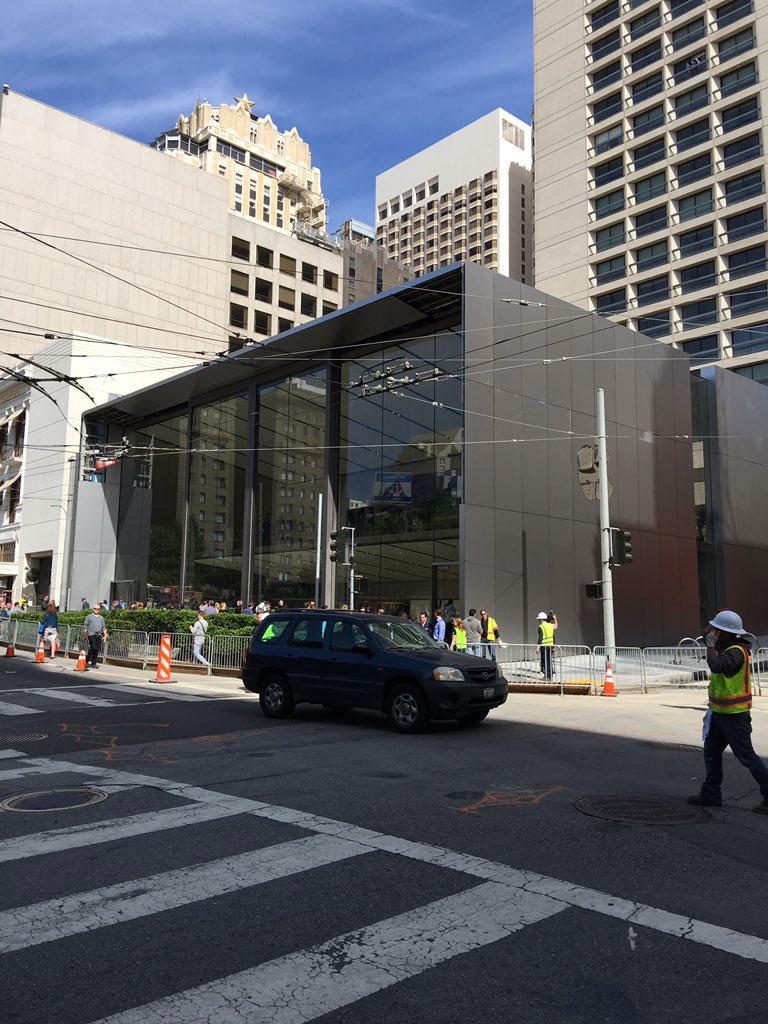 Puertas de la Apple Store de Unison Square