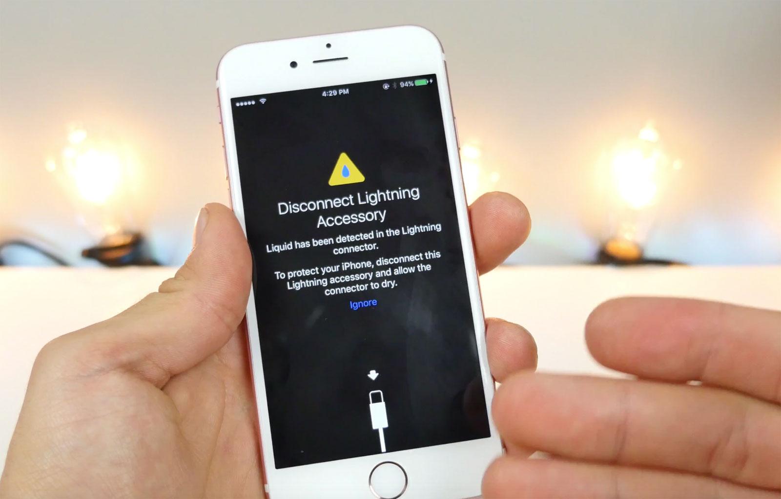iOS 10 detecta agua en el conector Lightning