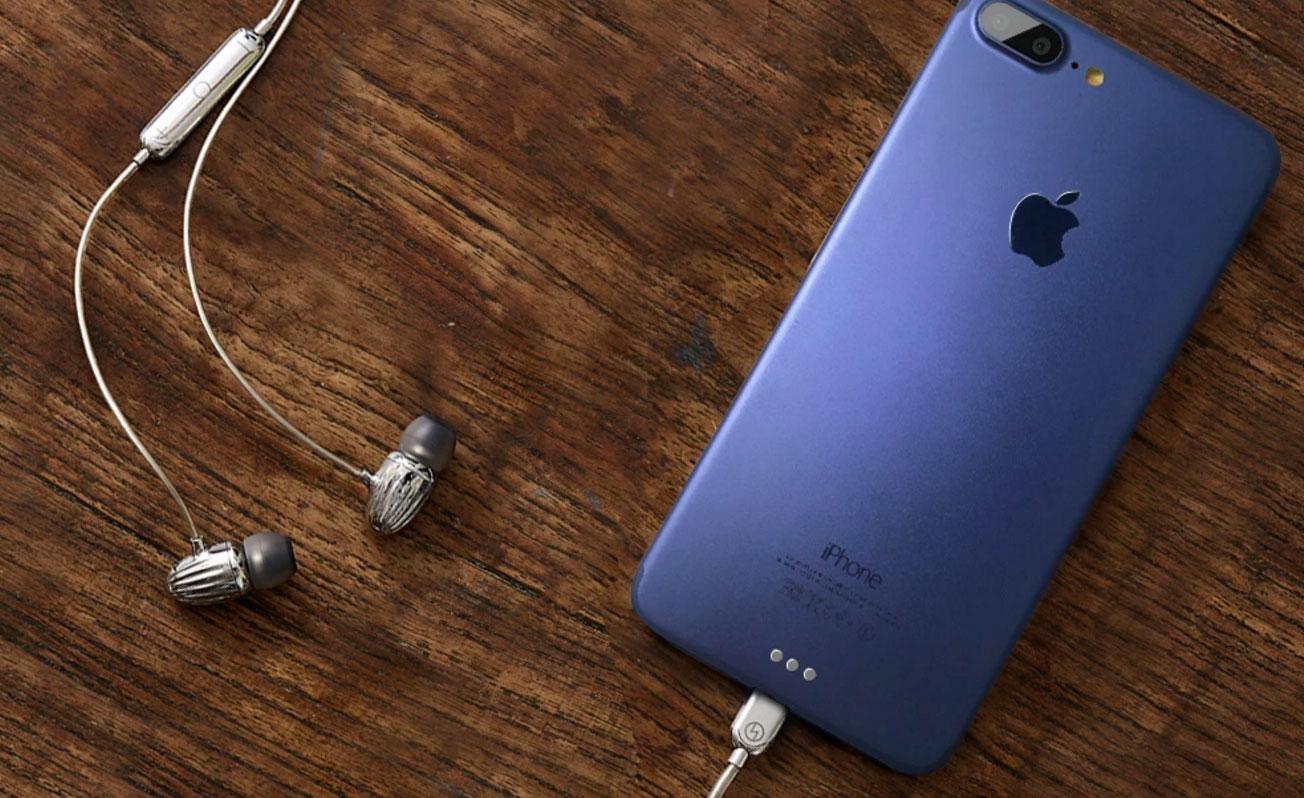 Maqueta de iPhone 7 de color morado
