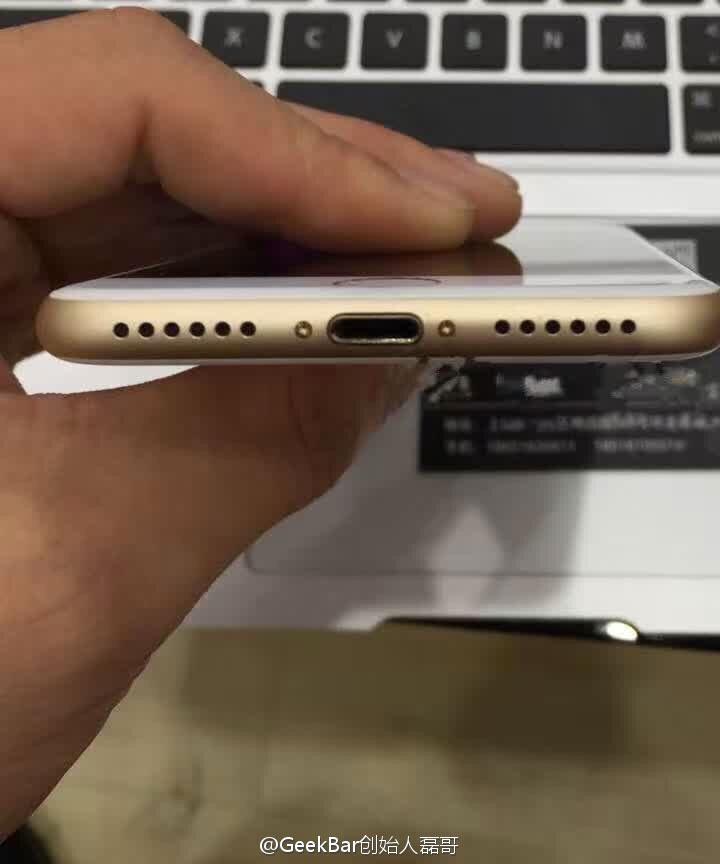 Puerto Lightning y USB-C en un iPhone y un MacBook