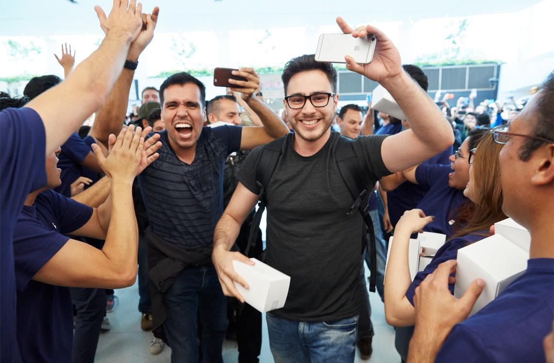 Apertura de la primera Apple™ Store de México