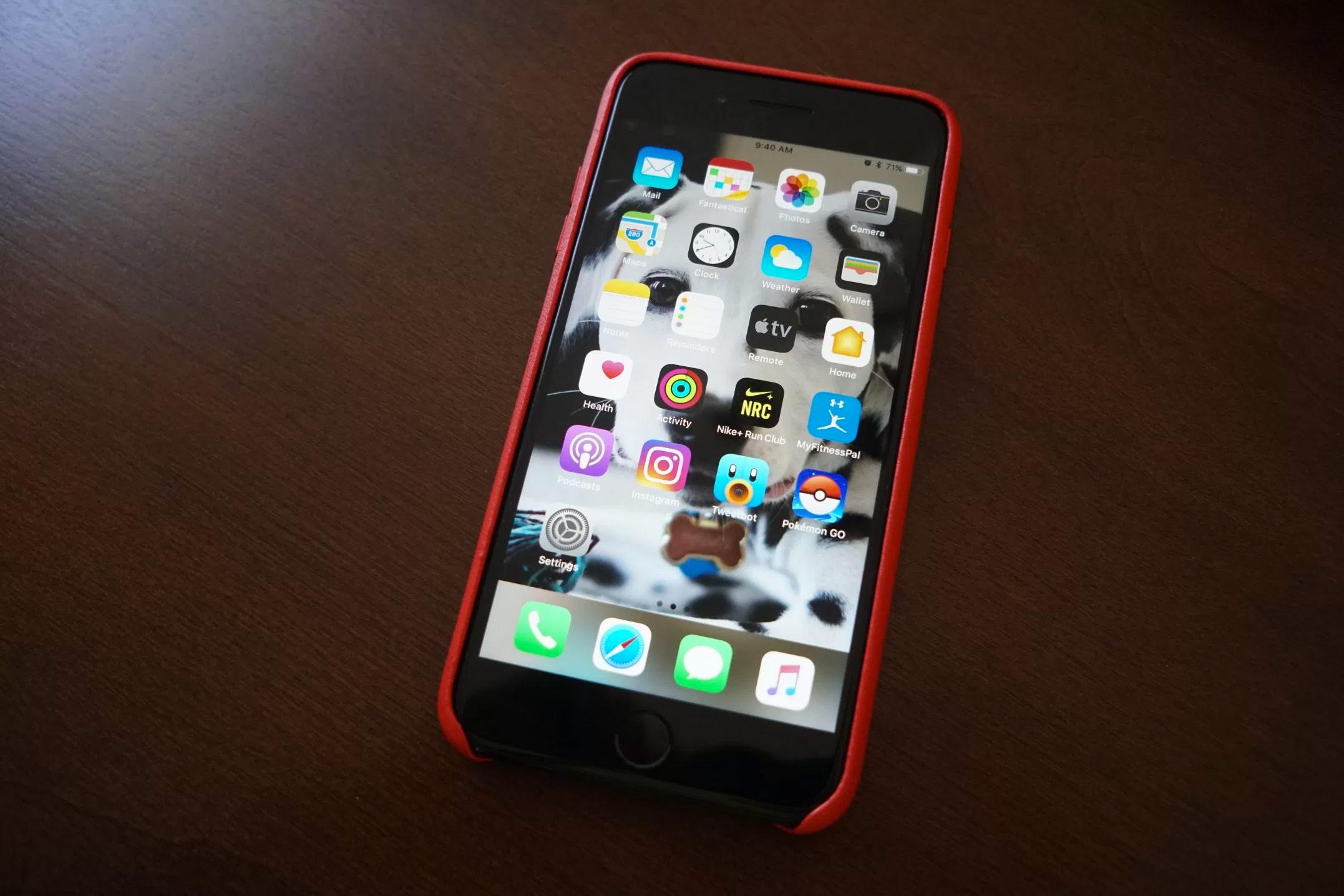 Interfaz oscura con Smart Invert Colors en iOS™ 11