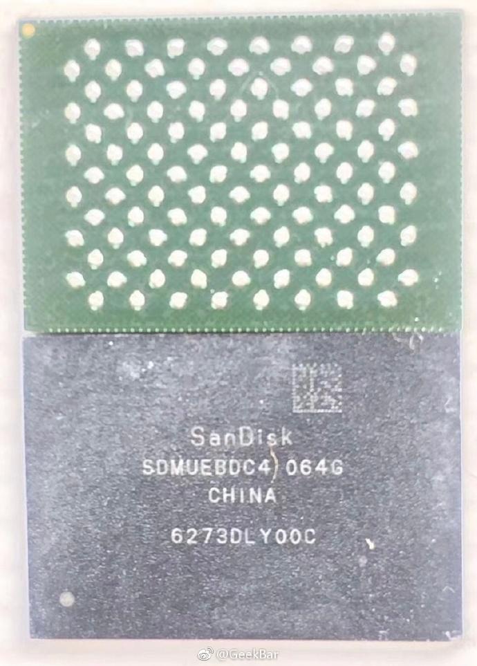 Supuesto chip de memoria NAND Flash del iPhone 8