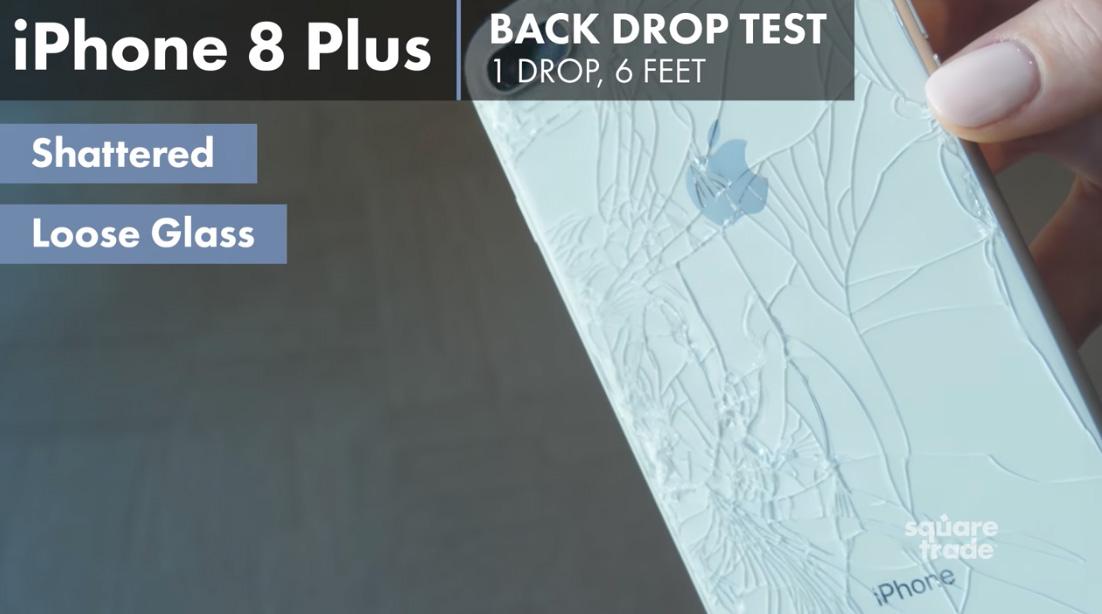 iPhone 8 con el cristal roto