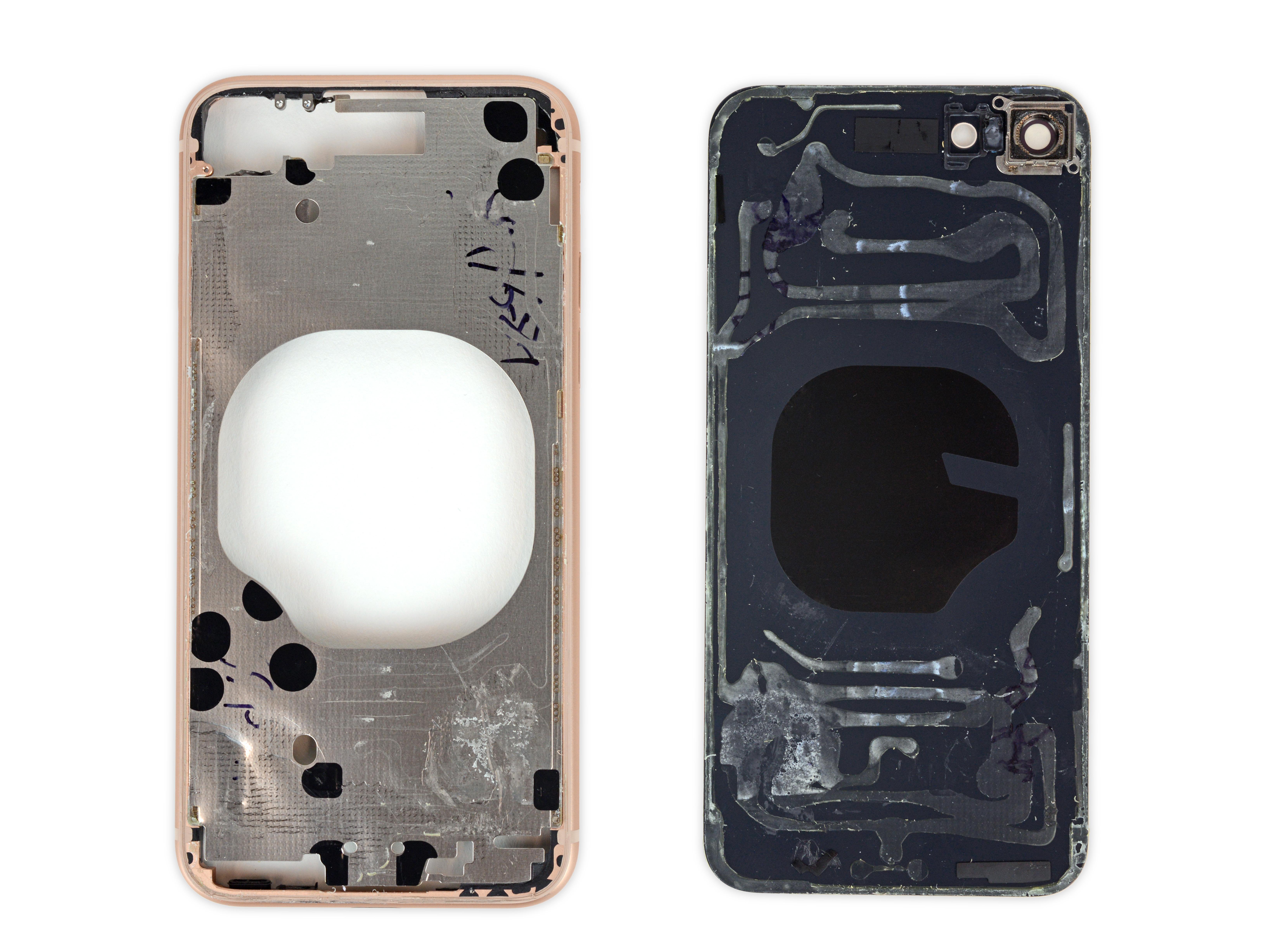 Malla en la zona de carga inalámbrica del iPhone 8
