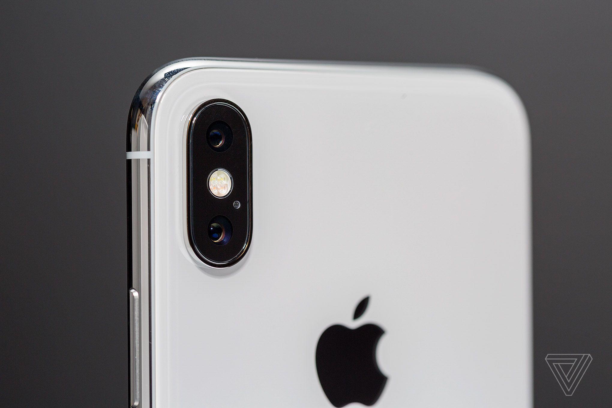 Cámara del iPhone X (imagen de The Verge)