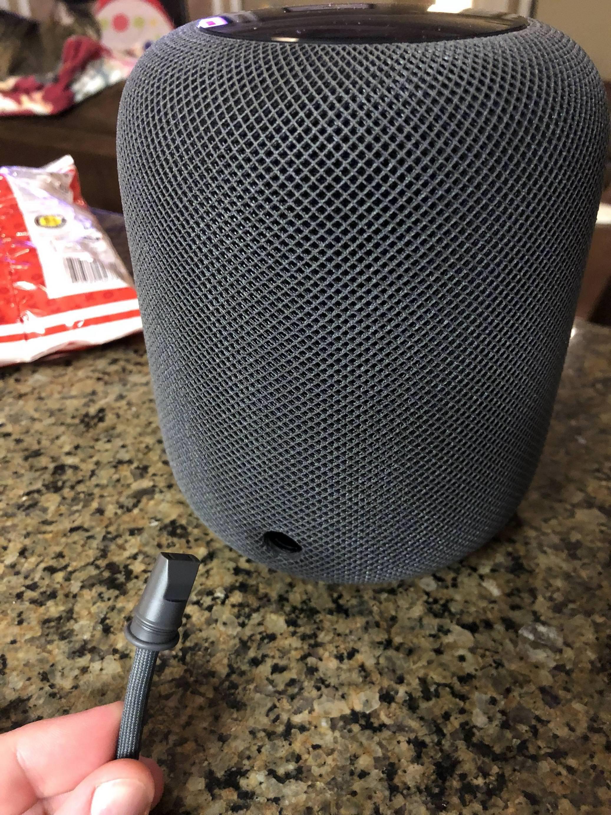 Cable de alimentación fuera del HomePod