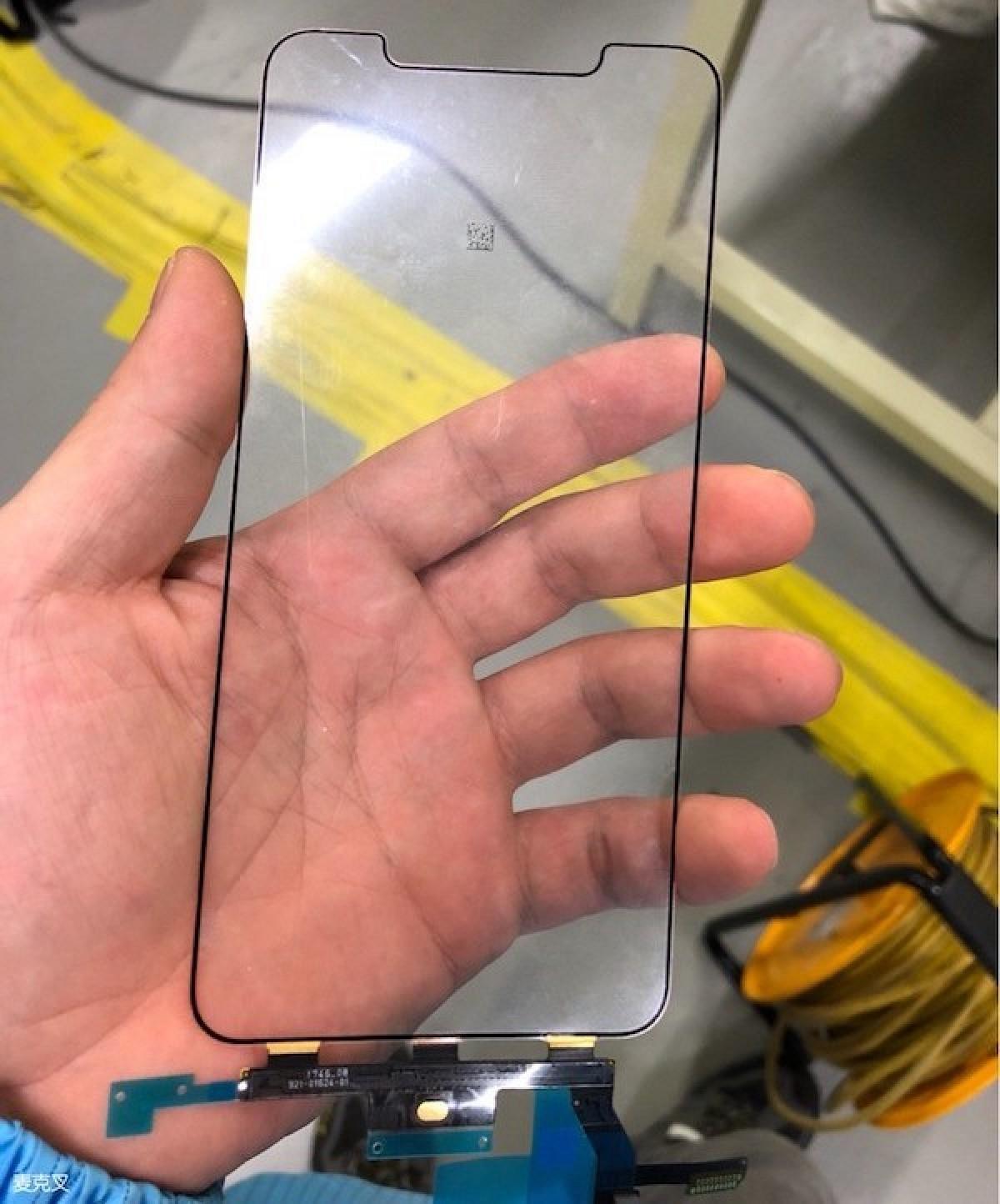Supuesto cristal y digitalizador de la pantalla de un iPhone X Plus
