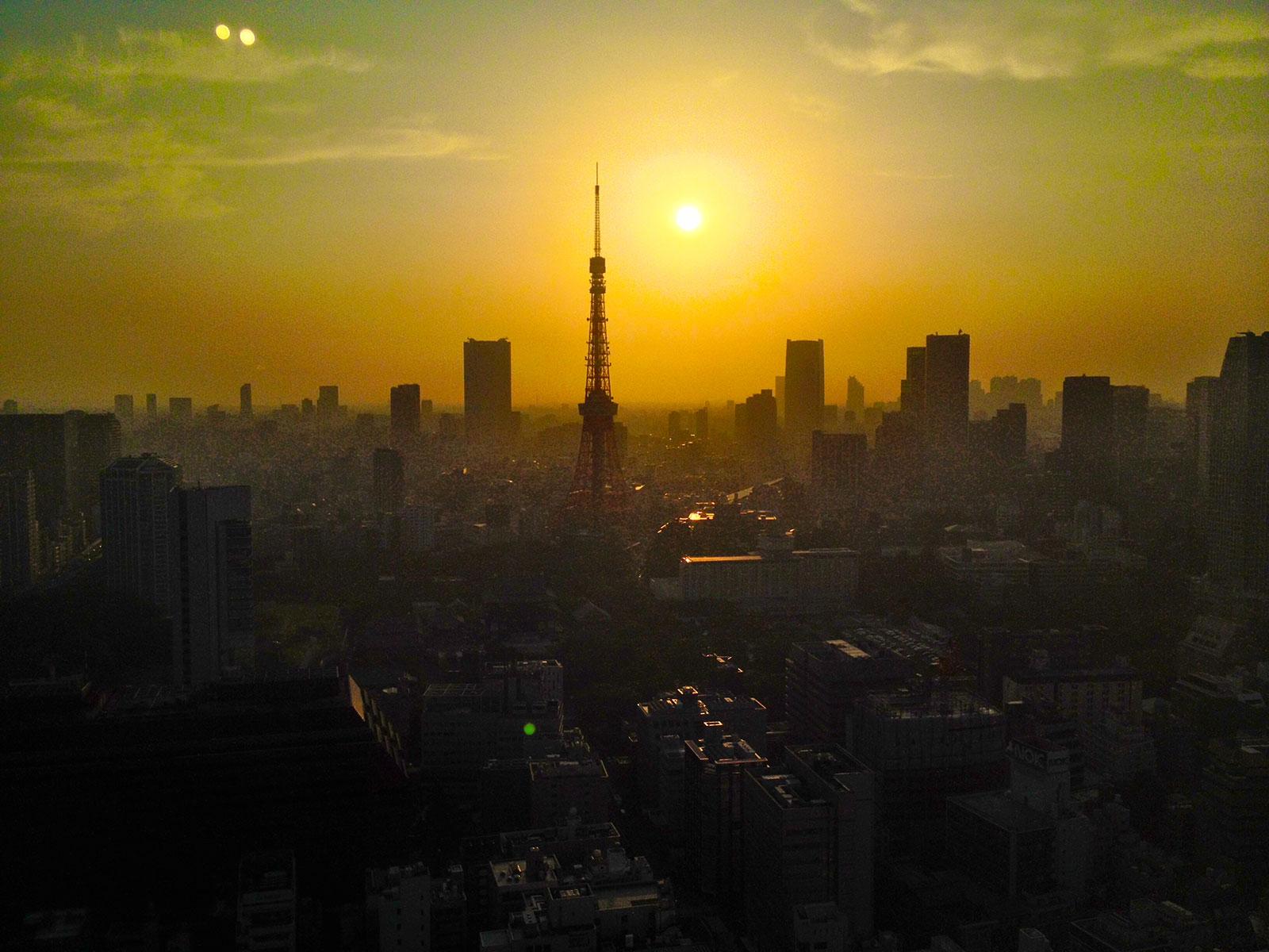Puesta de sol sobre Tokio