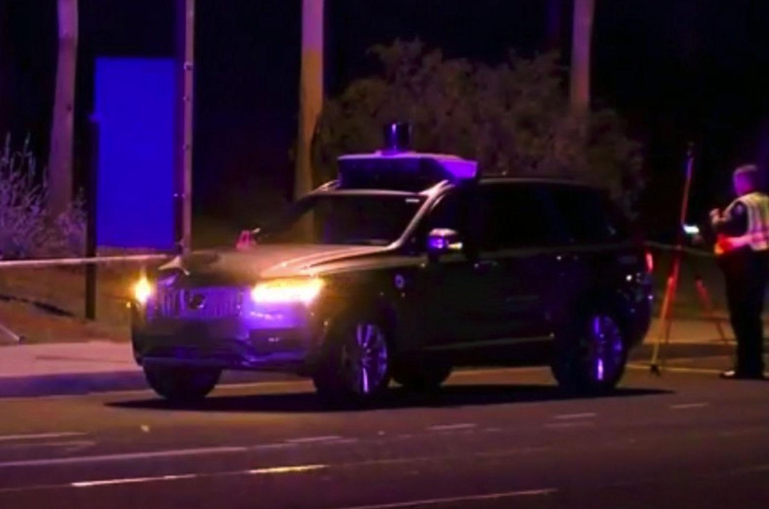 Coche de Uber involucrado en el accidente