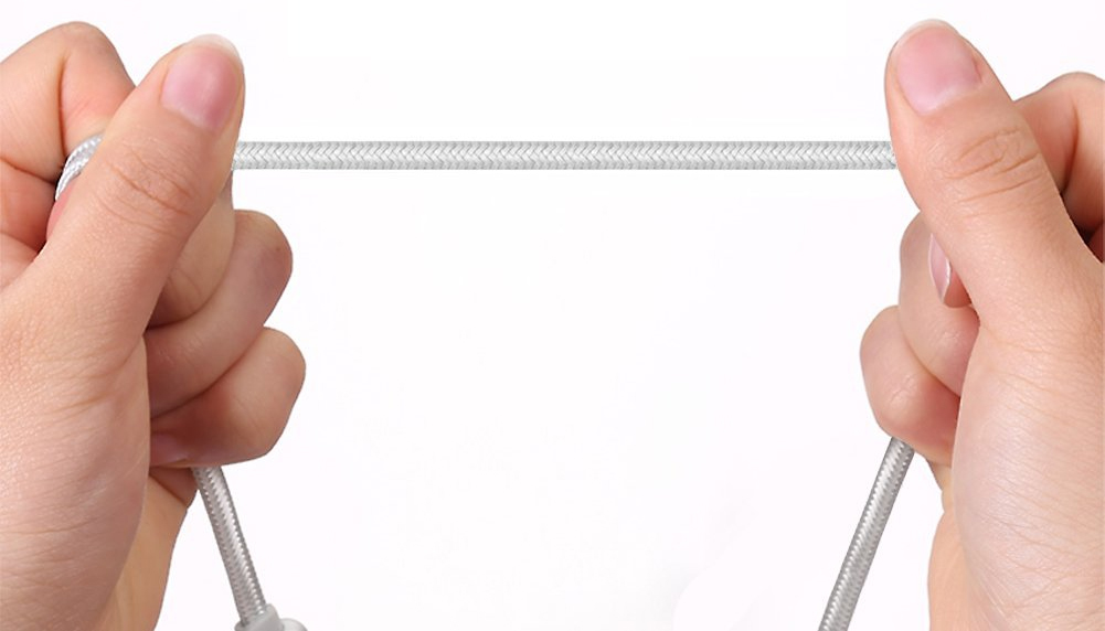 Cable cargador USB-C a Lightning más resistente