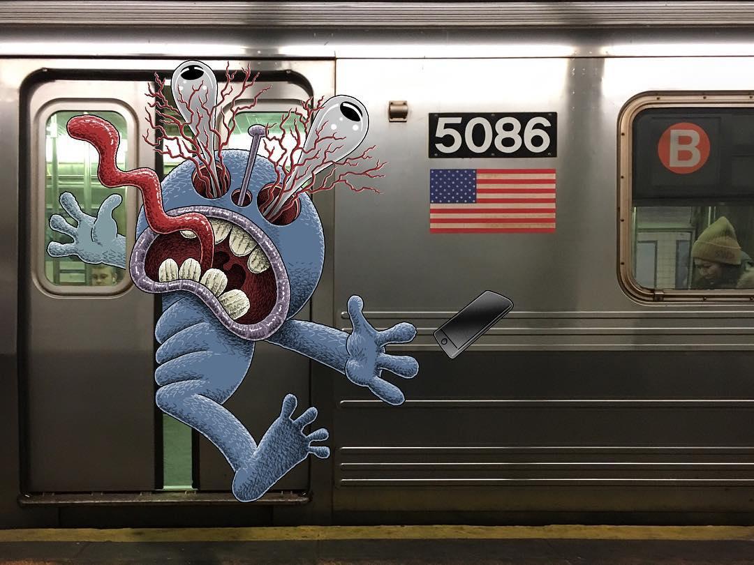 En la puerta del metro