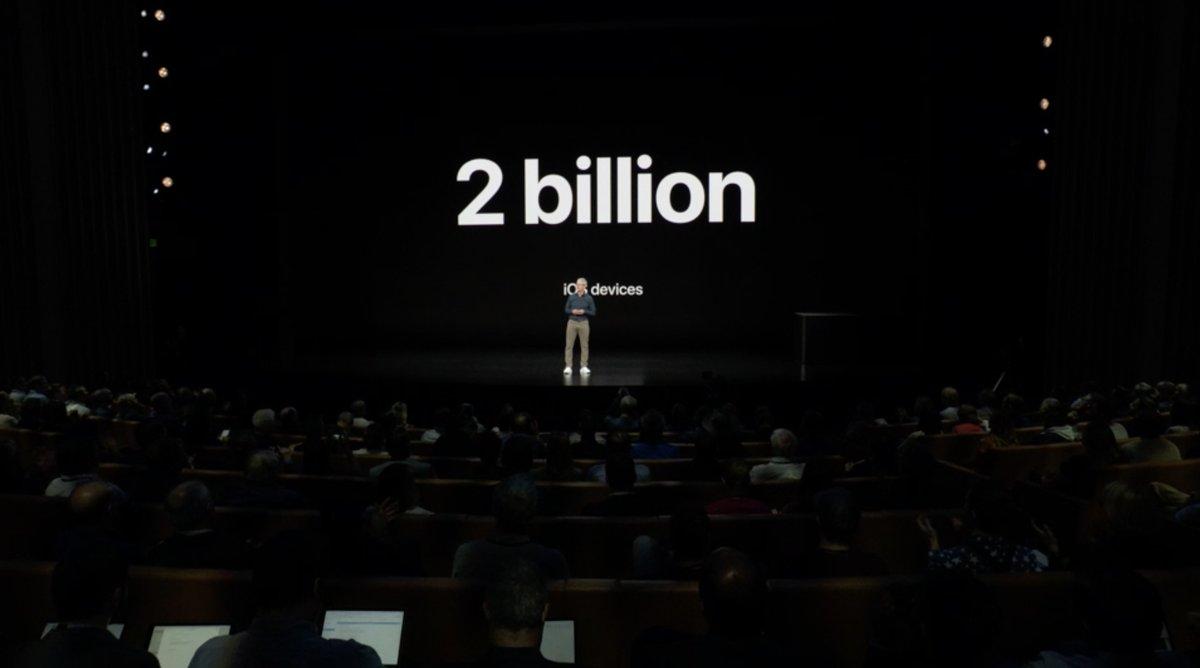 Keynote de presentación del iPhone XS, XS Max y XR - Tim Cook 2000 millones de dispositivos iOS