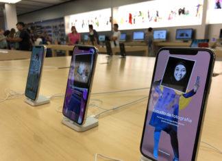 iPhone X en el interior de una Apple Store