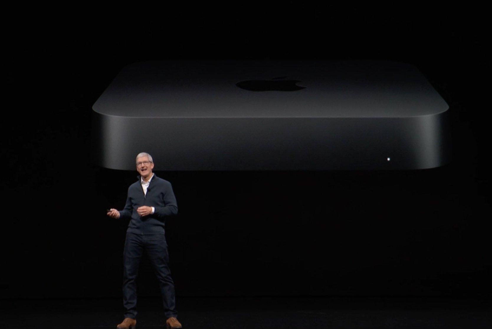 Tim Cook con el nuevo Mac mini