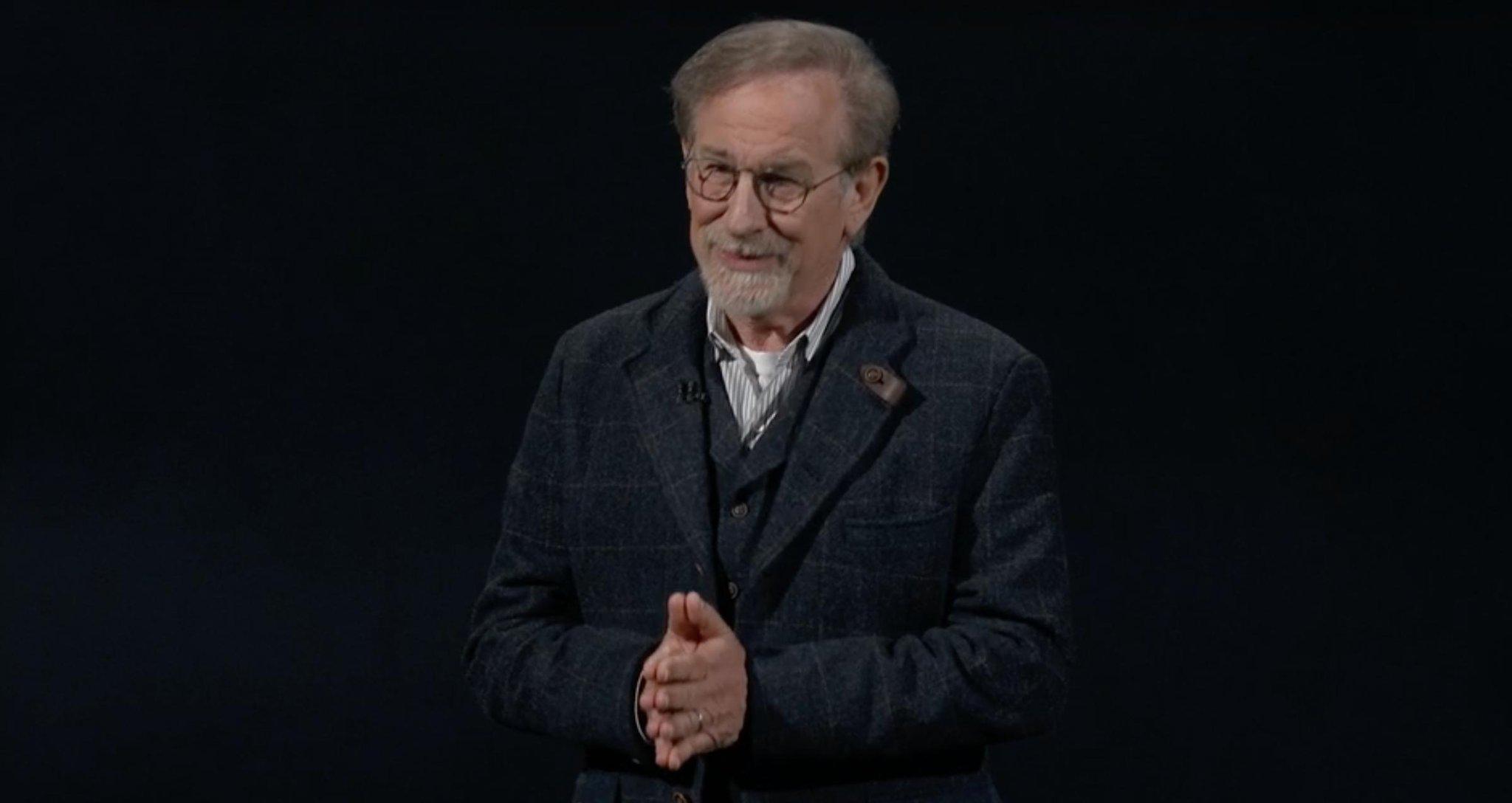 Steven Spielberg en una Keynote de Apple, presentando su obra para Apple TV+