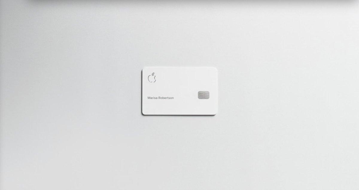 Apple Card física hecha de titanio