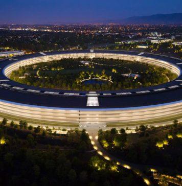 Oficinas de Apple en el Apple Park, por la noche