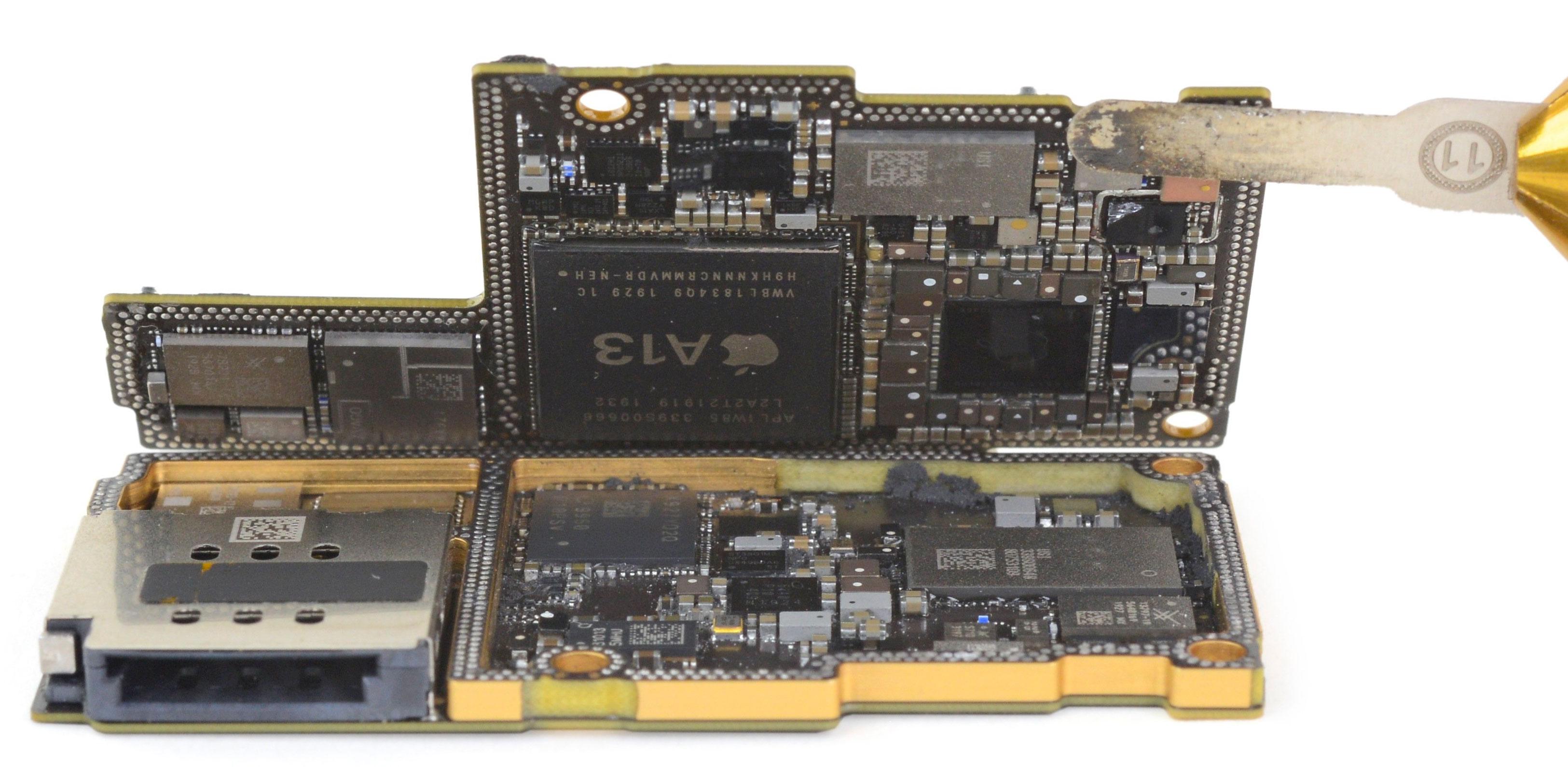 Placa base del iPhone 11 Pro Max, con el A13