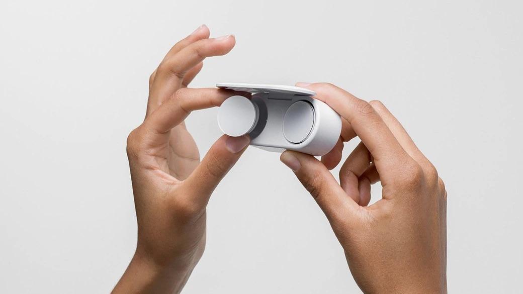 Caja de carga de los Surface Earbuds de Microsoft