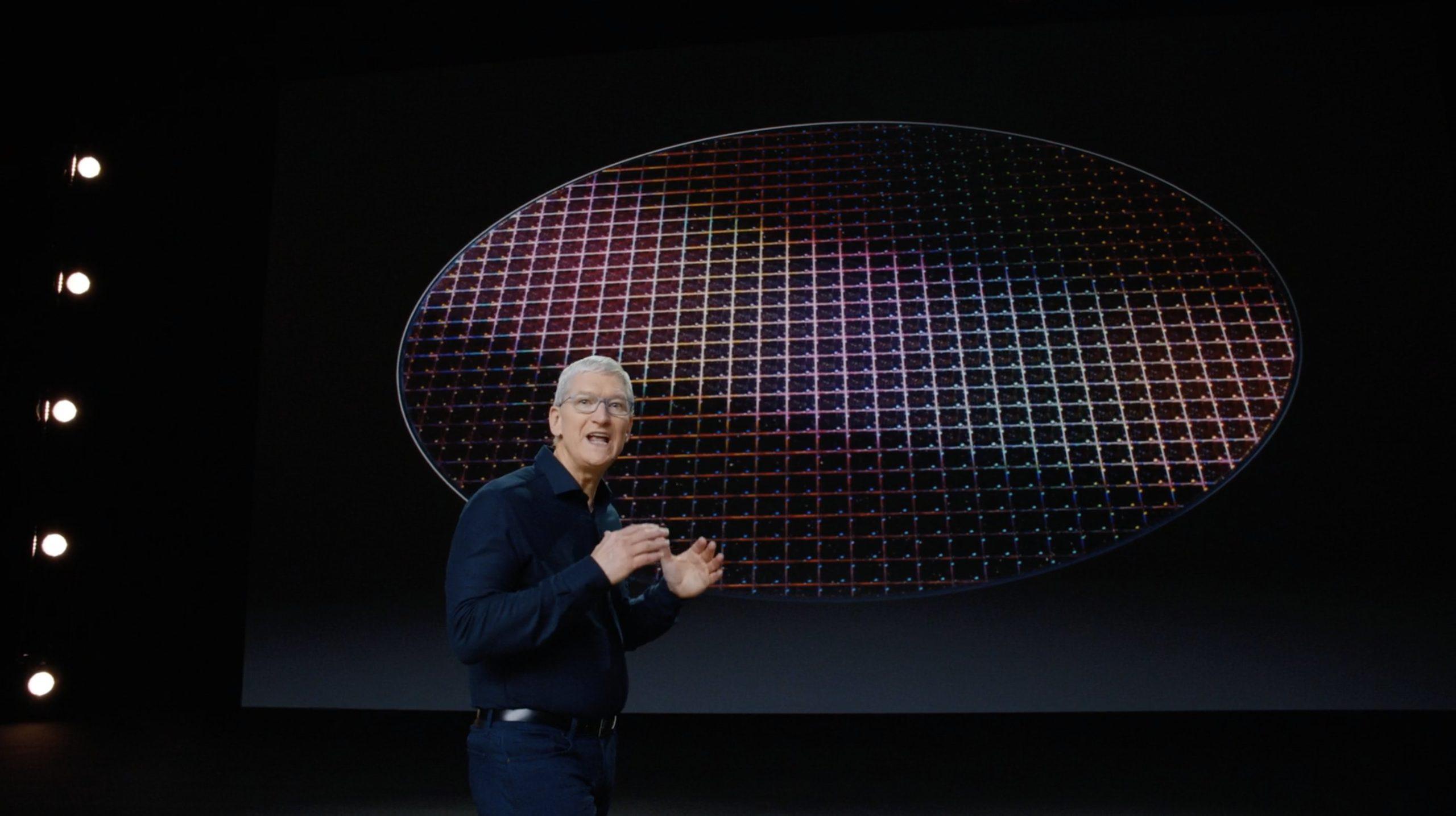 Tim Cook presentando la transición de CPUs x86 de Intel a propias de ARM