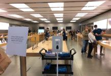 Apple Store de Leganés con acceso restringido durante los días de la pandemia de COVID-19