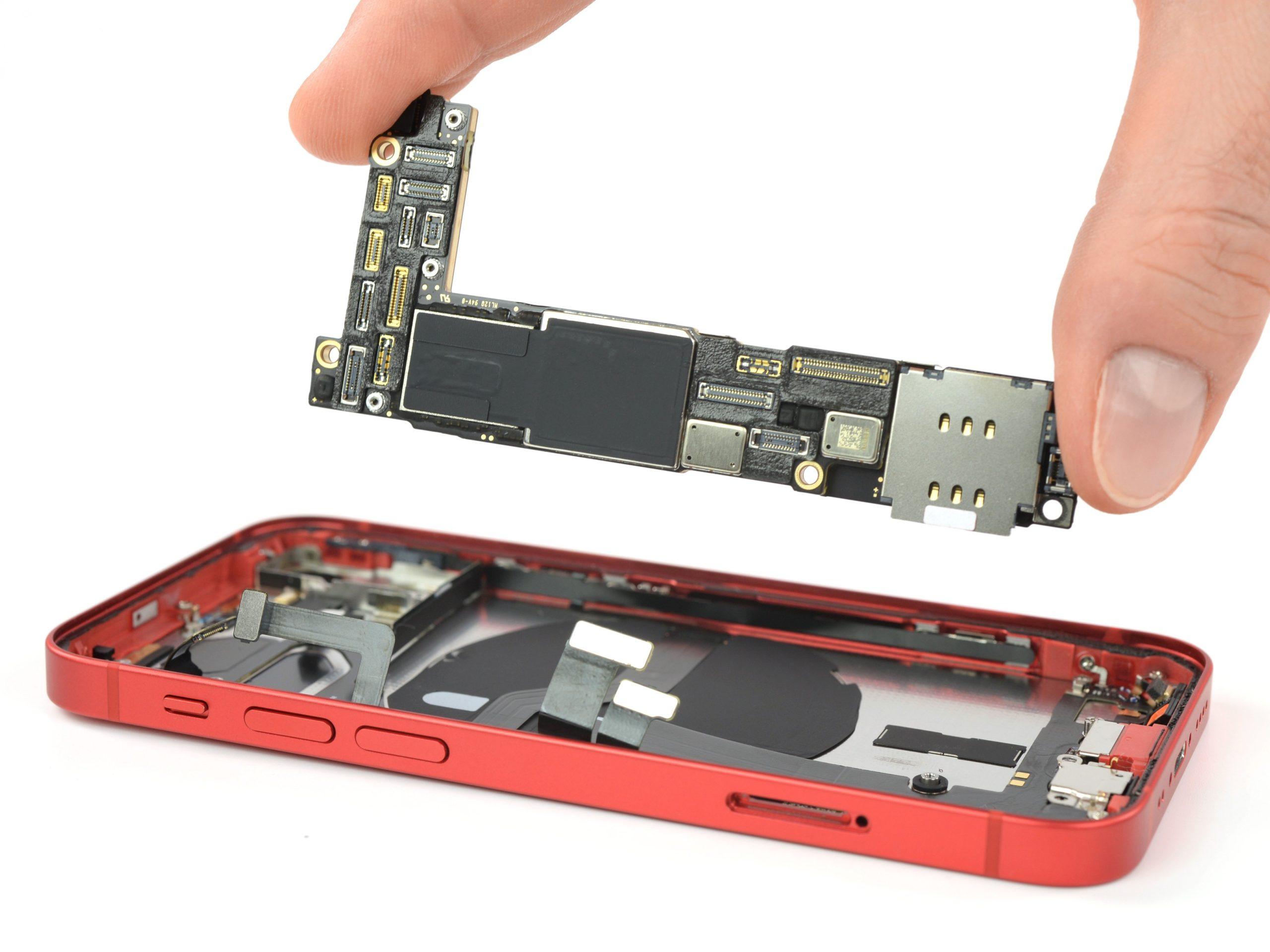 iPhone 12 mini por dentro