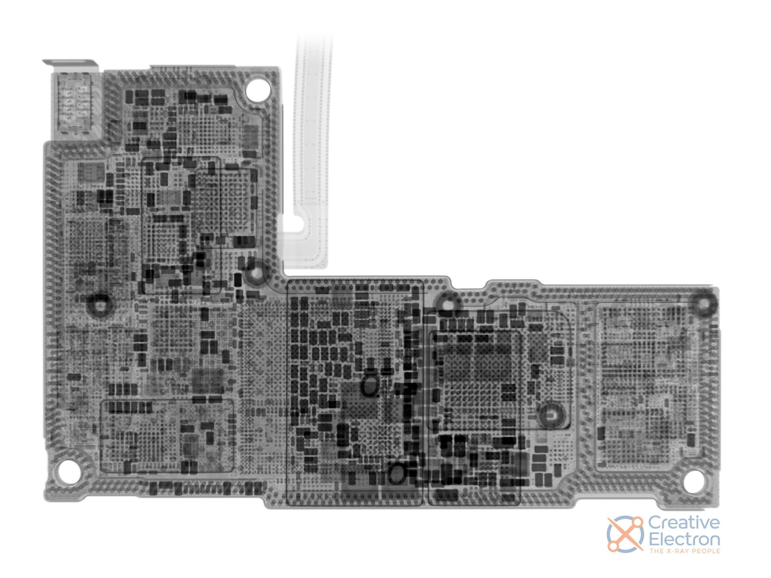 Placa base del iPhone 12 Pro Max vista a rayos x