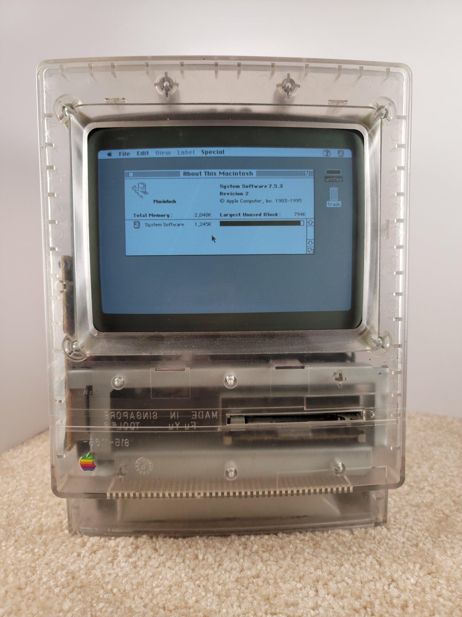Prototipo de Macintosh original con carcasa transparente