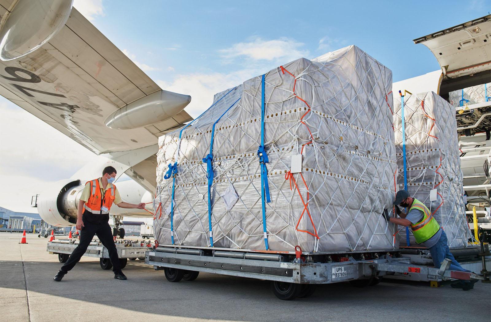 Envíos de iPhone 12 por avión