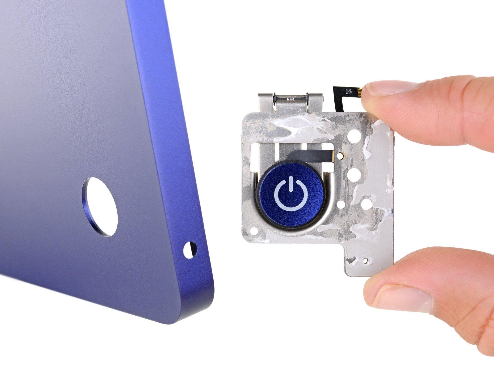 Botón de encendido y apagado en un iMac M1, personalizado para el color de ese iMac