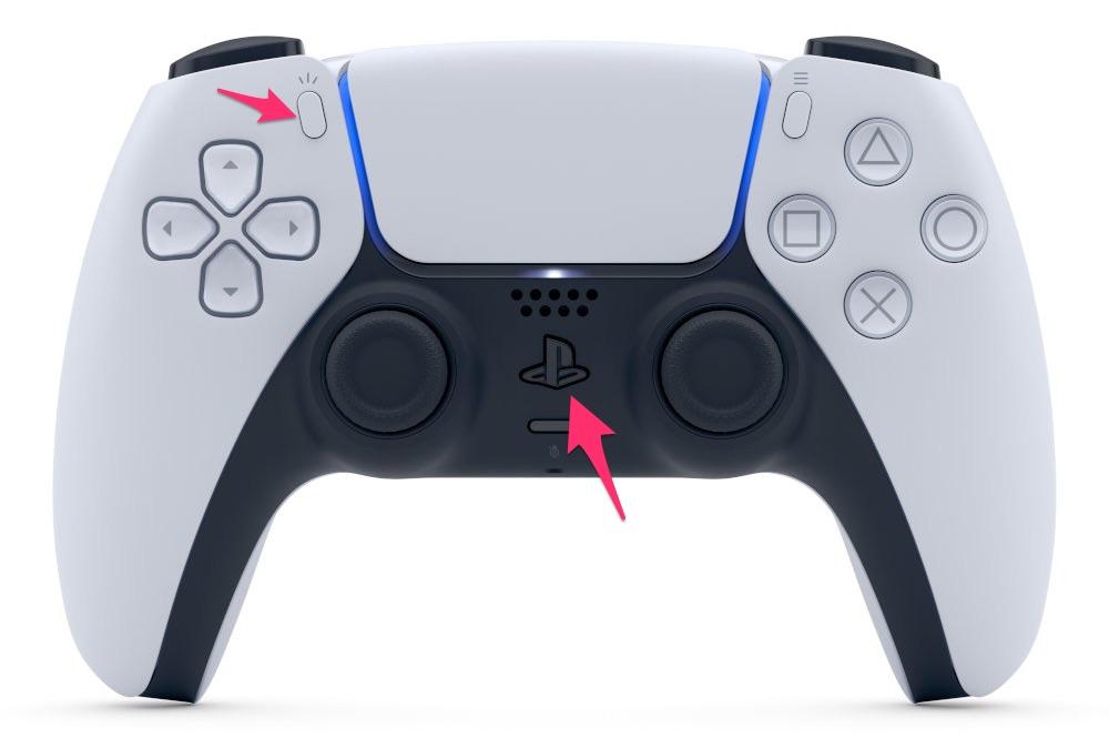 Botón de Share y PlayStation en un DualSense de PS5