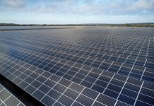 Paneles solares que alimentan el centro de datos que Apple tiene en Viborg, Países Bajos